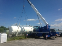 Liebherr LTM1040 Mobile Crane lifting a 17 ton gas tank in Laois.